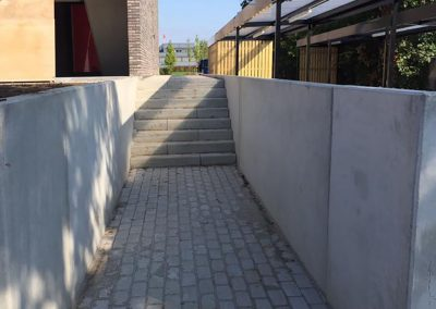 Keringswanden en trap in beton Kortrijk