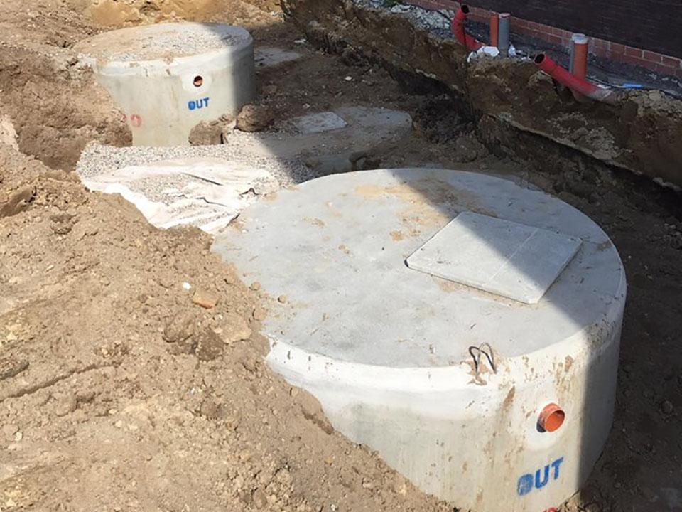 Plaatsing regenput, septische putten en filterputten Deinze